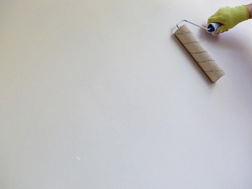 Peindre les murs à la bonne couleur