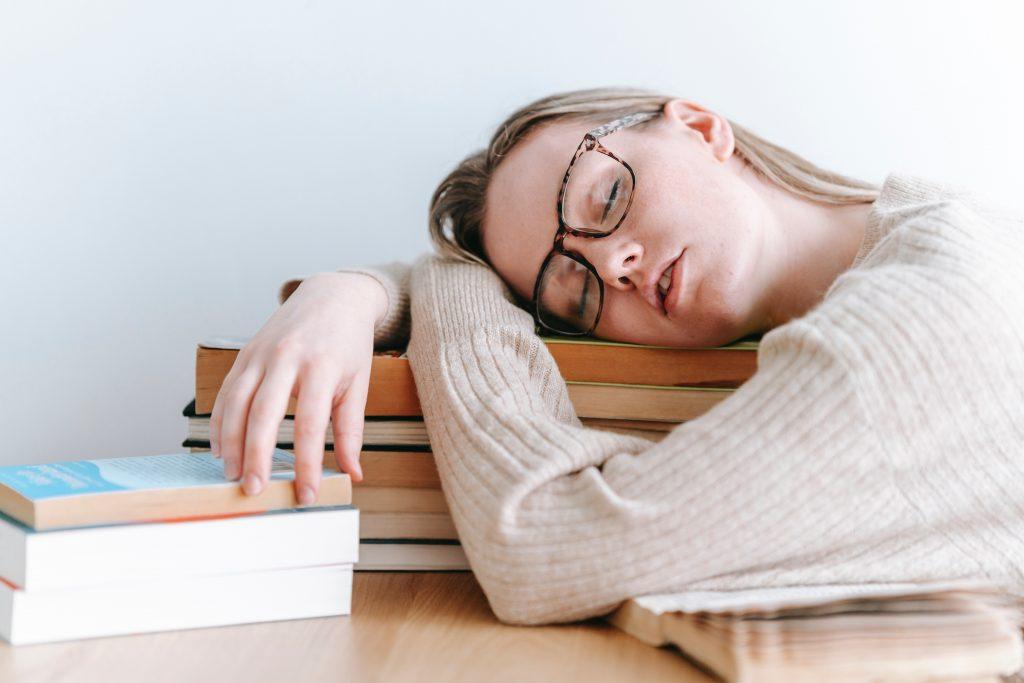 Comment déterminer l'ouvrage idéal pour mieux dormir la nuit ?